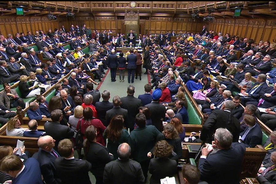 مجلس انگلیس رأی به تعویق برگزیت داد