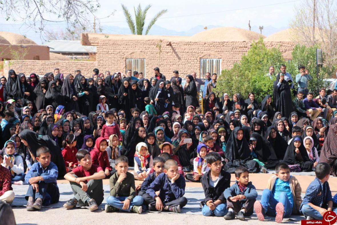 برگزاری همایش پیاده روی در ده زیار کرمان
