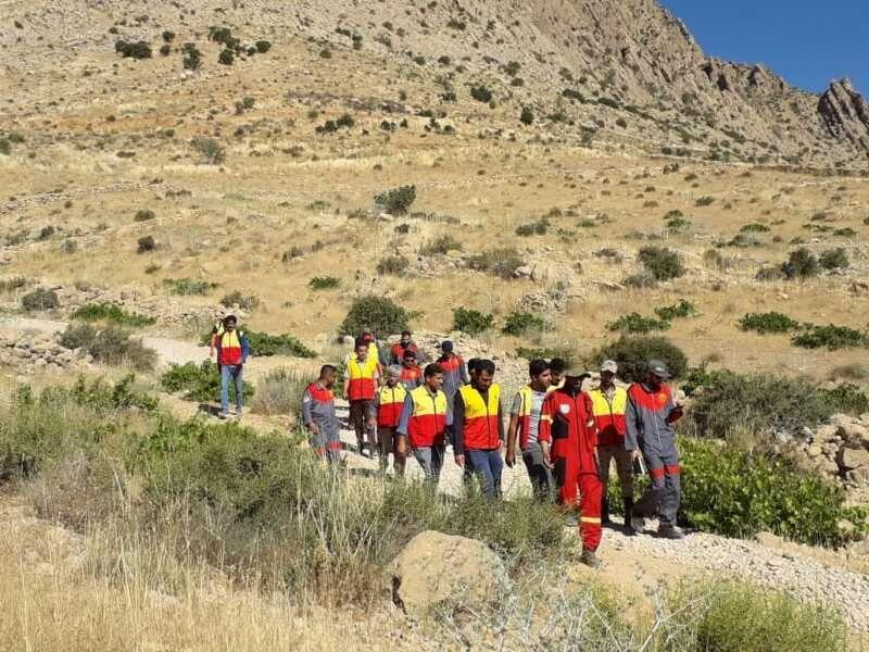 خبرنگاران سه تیم واکنش سریع آتش نشانان در شیراز آماده خدمات رسانی است