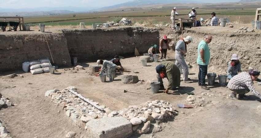 کشف بقایای پستخانه ایرانی 2500 ساله در ترکیه